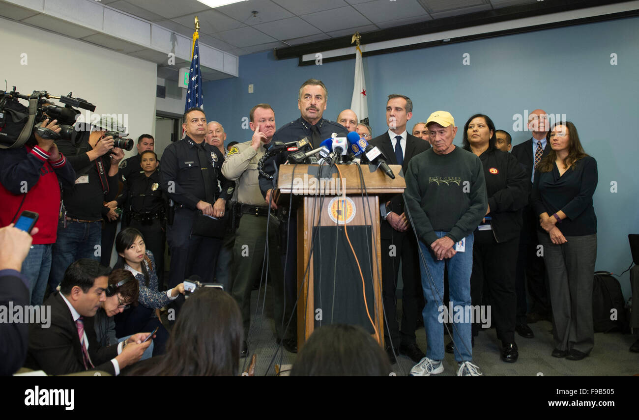 (151215) -- LOS ANGELES, Dec. 15, 2015 (Xinhua) -- Los Angeles police chief Charlie Beck speaks to the media, in - Stock Image