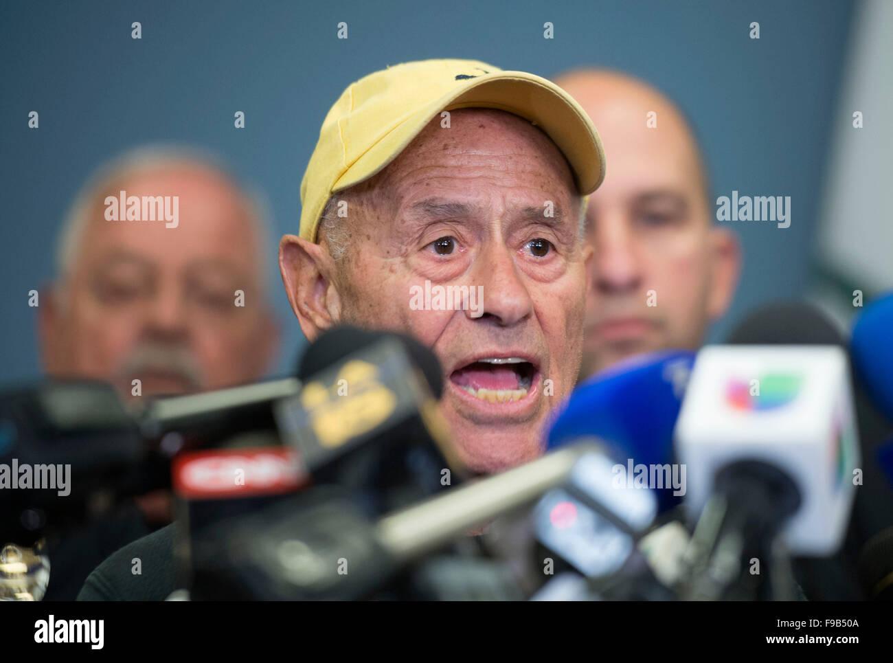 (151215) -- LOS ANGELES, Dec. 15, 2015 (Xinhua) -- Schools Superintendent Ramon Cortines speaks to the media, in - Stock Image