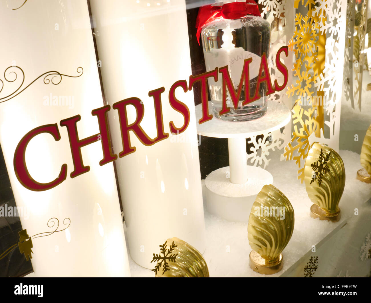 Christmas Shop Stock Photos & Christmas Shop Stock Images - Alamy