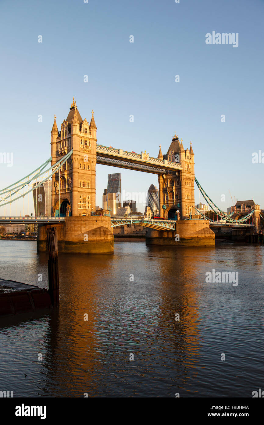 Tower Bridge and the City of London skyline early morning - Stock Image