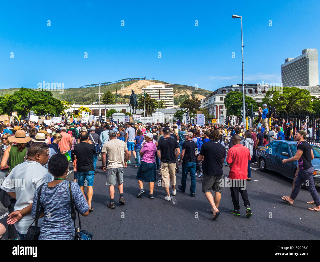 Cape Town, South Africa. 16th December, 2015. Crowd of people outside the Houses of Parliament in Cape Town, South - Stock Image