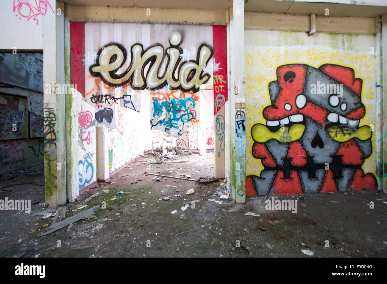 Dirty abandoned mill victim to vandalism - Stock Image