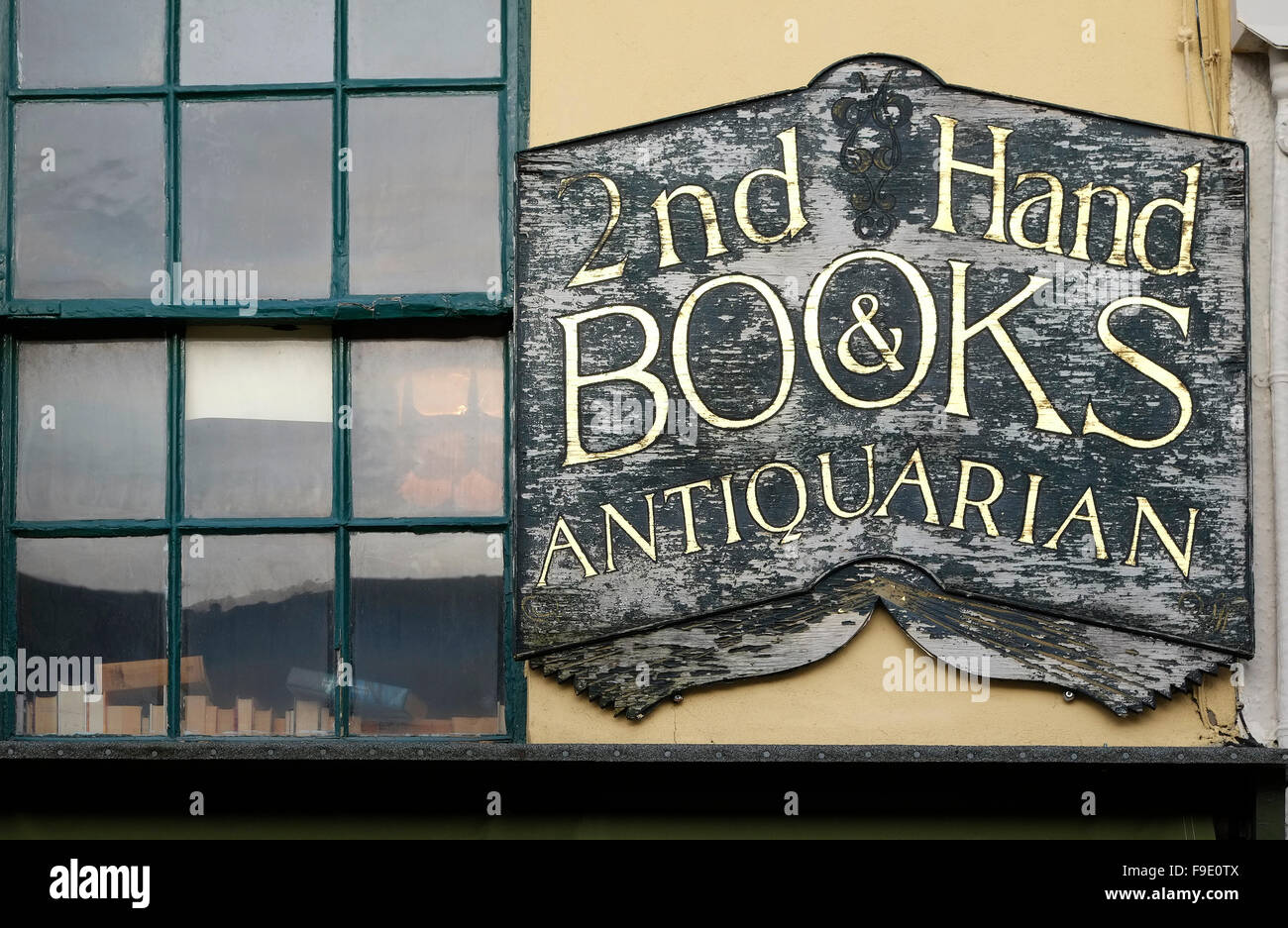 2nd hand books and antiquarian bookseller shop - Stock Image