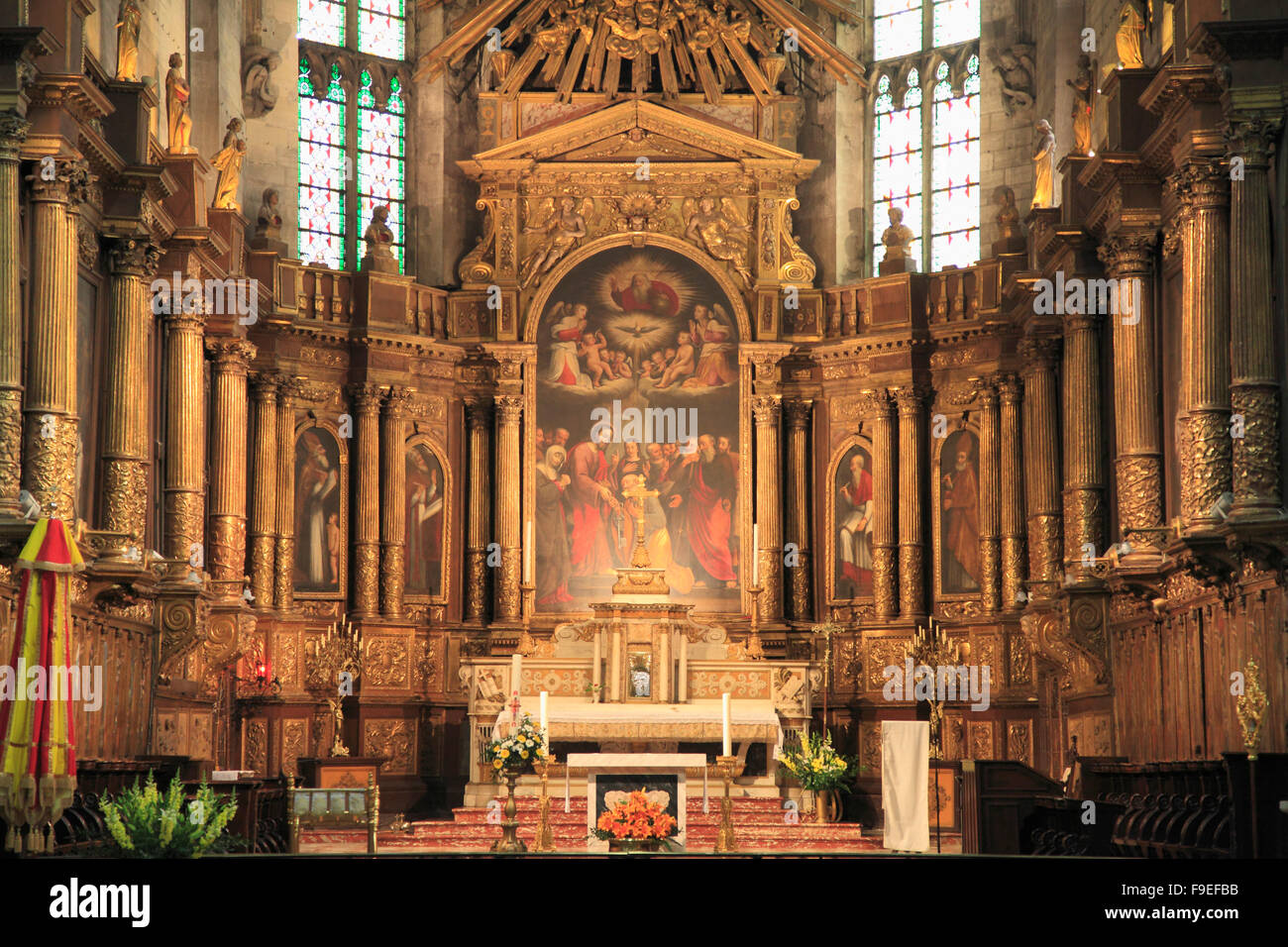 France Provence Avignon Église St-Pierre church interior - Stock Image