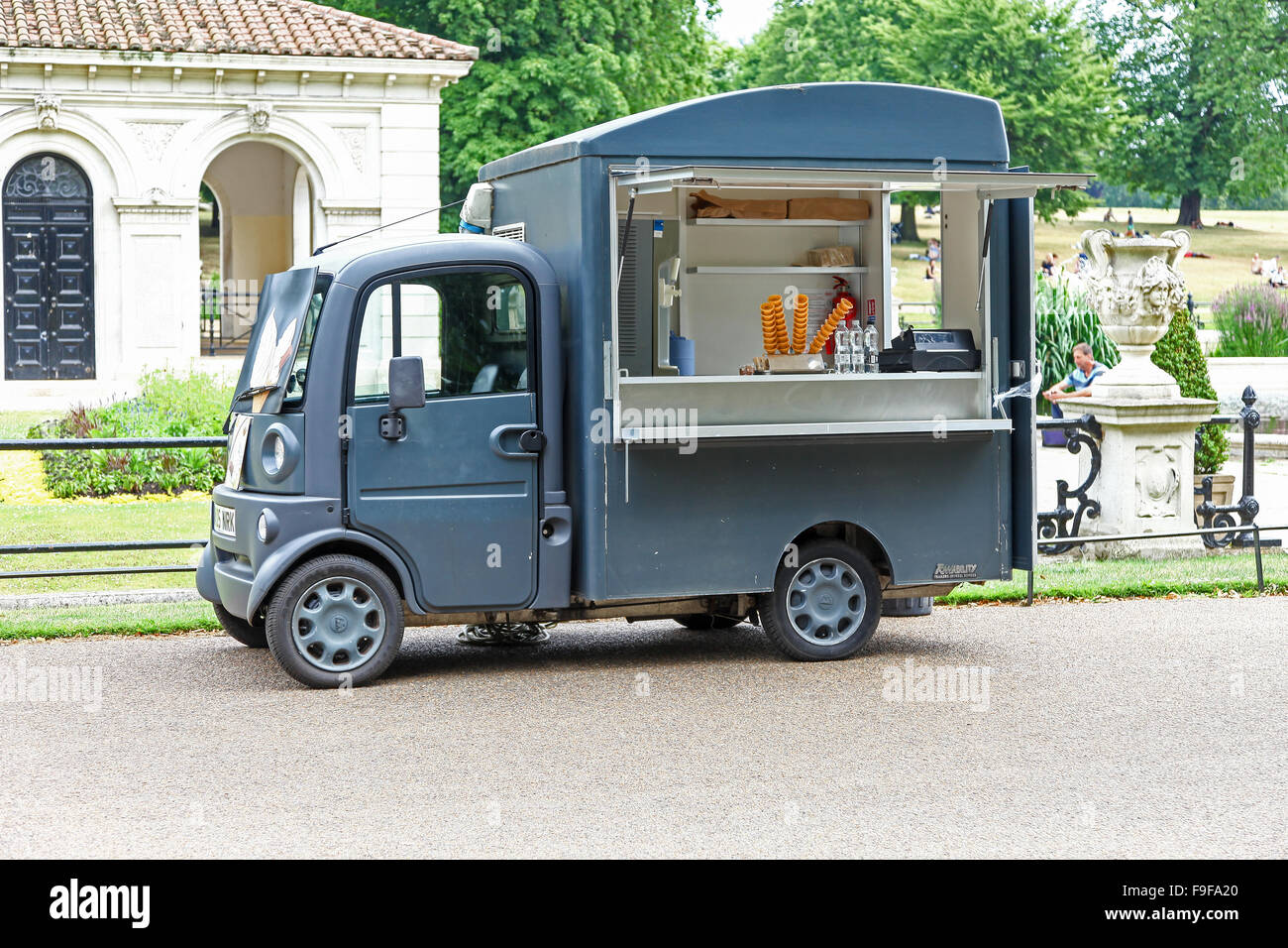 e969618d2c A mobile food van in the Italian Gardens in Kensington Palace Gardens  London England UK -