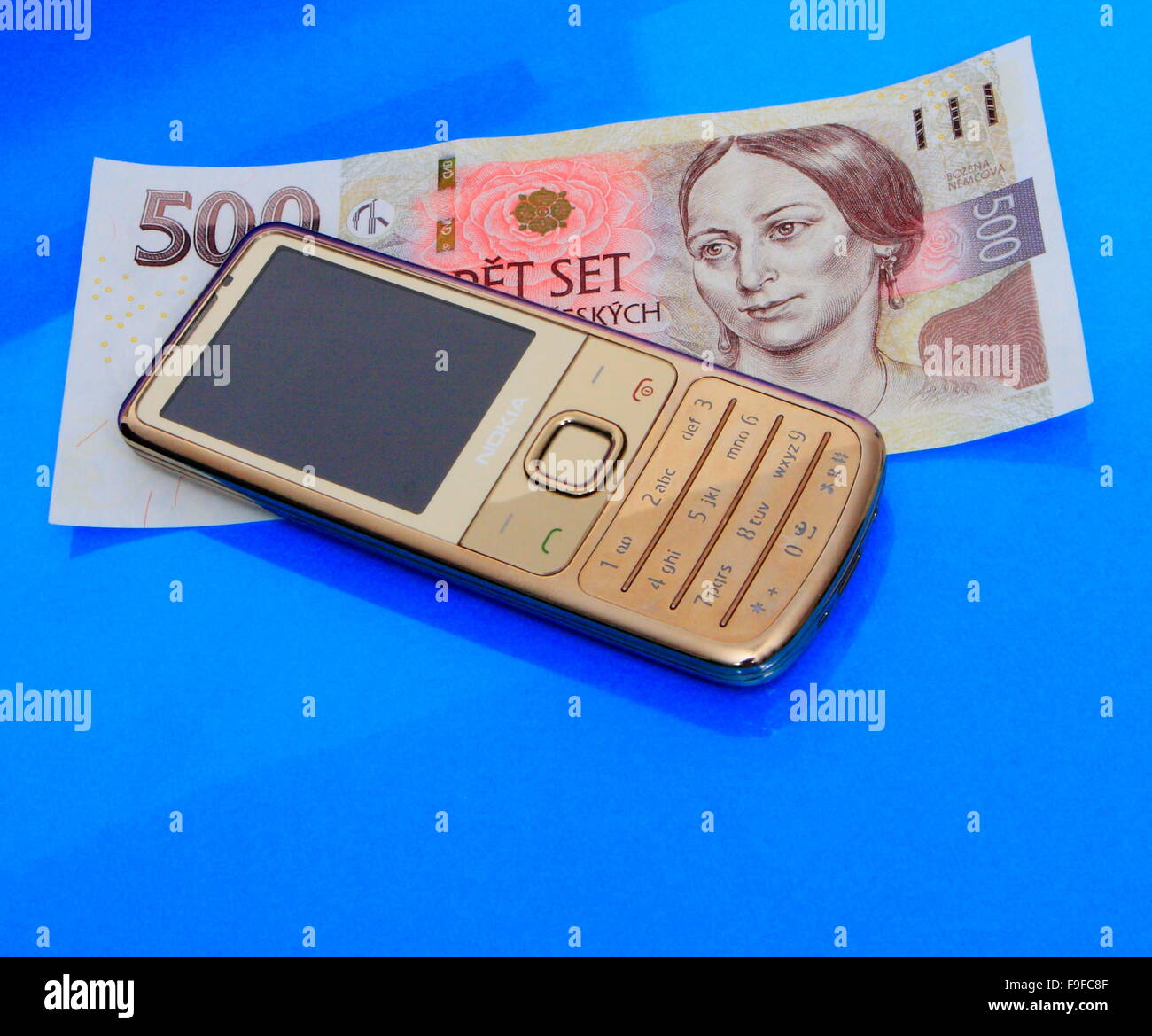 Mobile Phone Nobody Stock Photos Images Circuit Board From A Nokia 3310 Photo Picture And Money Image