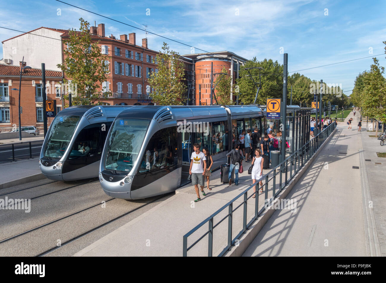 two modern trams at the palace de justice tram stop in toulouse stock photo 91927463 alamy. Black Bedroom Furniture Sets. Home Design Ideas