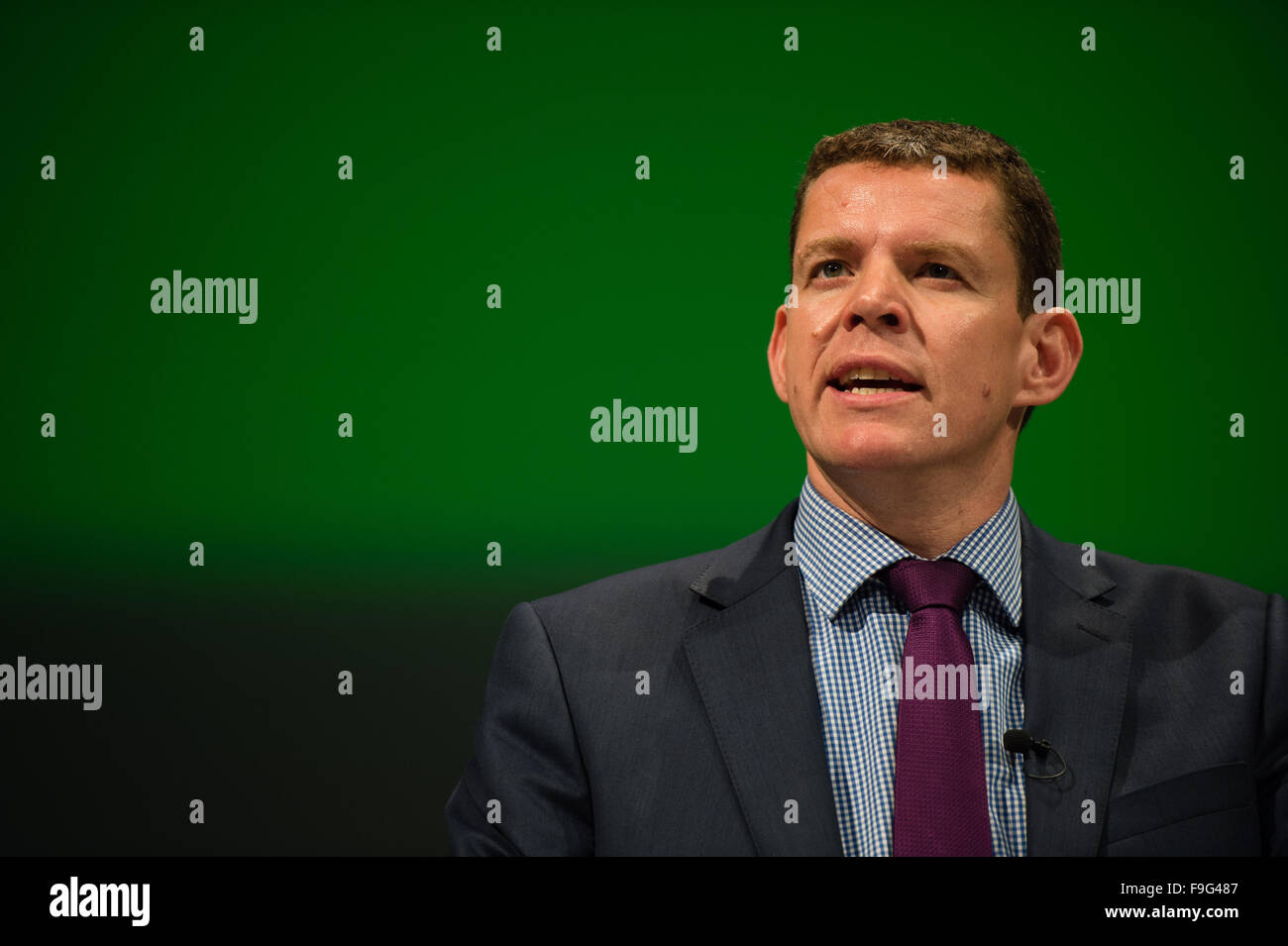 UK Politics: RHUN AP IORWERTH , member of the The Plaid Cymru 'shadow cabinet' on the platform at the party's - Stock Image