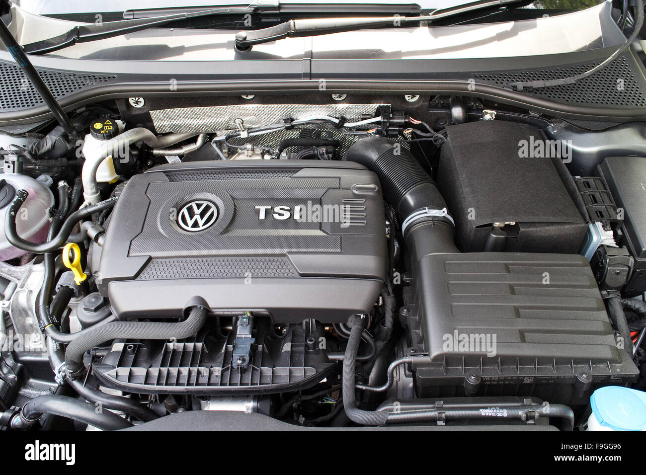 Volkswagen Passat 2015 High Resolution Stock Photography And Images Alamy