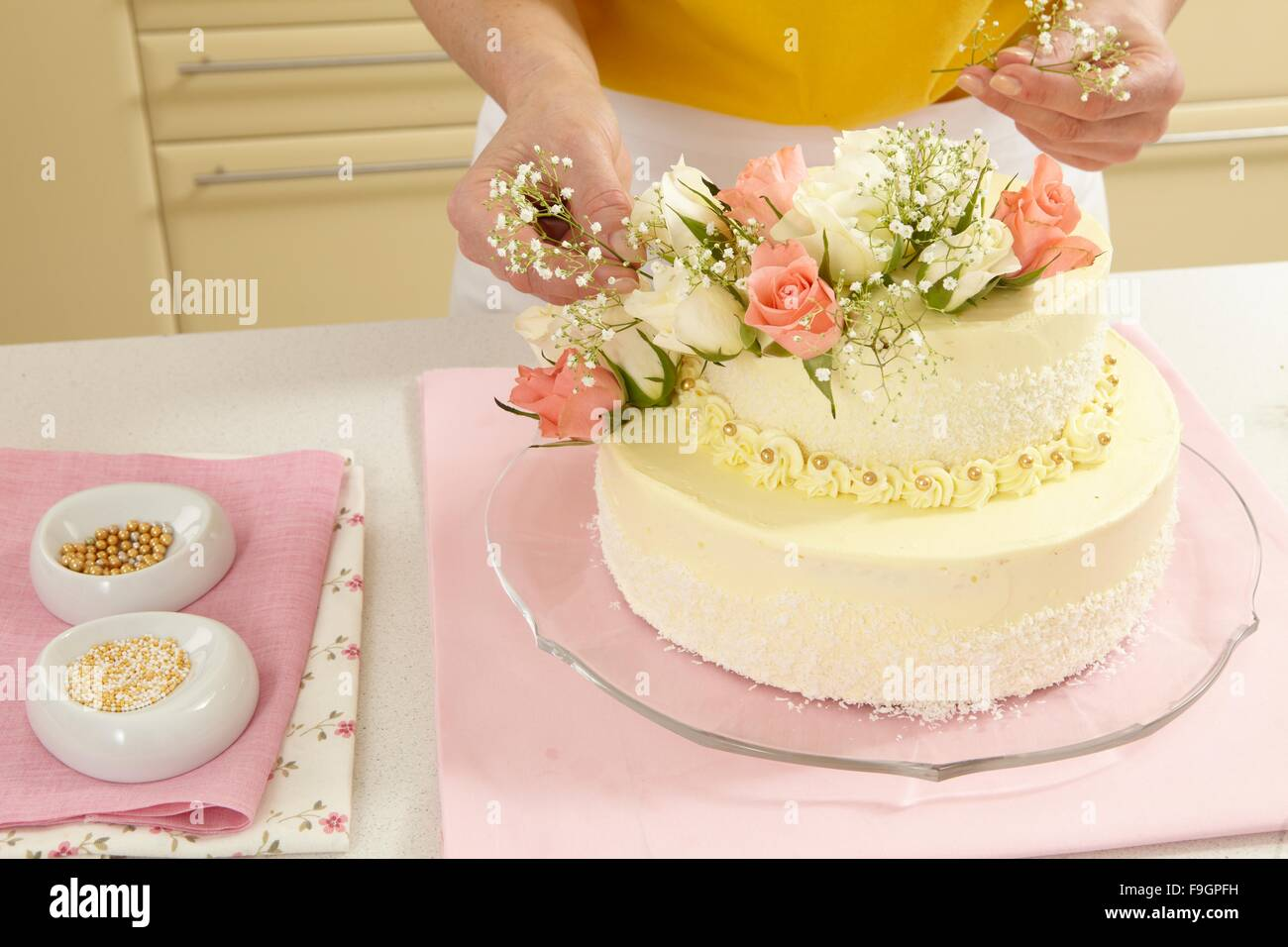 Two-Layer Wedding Cake (step by step Stock Photo: 91952661 - Alamy