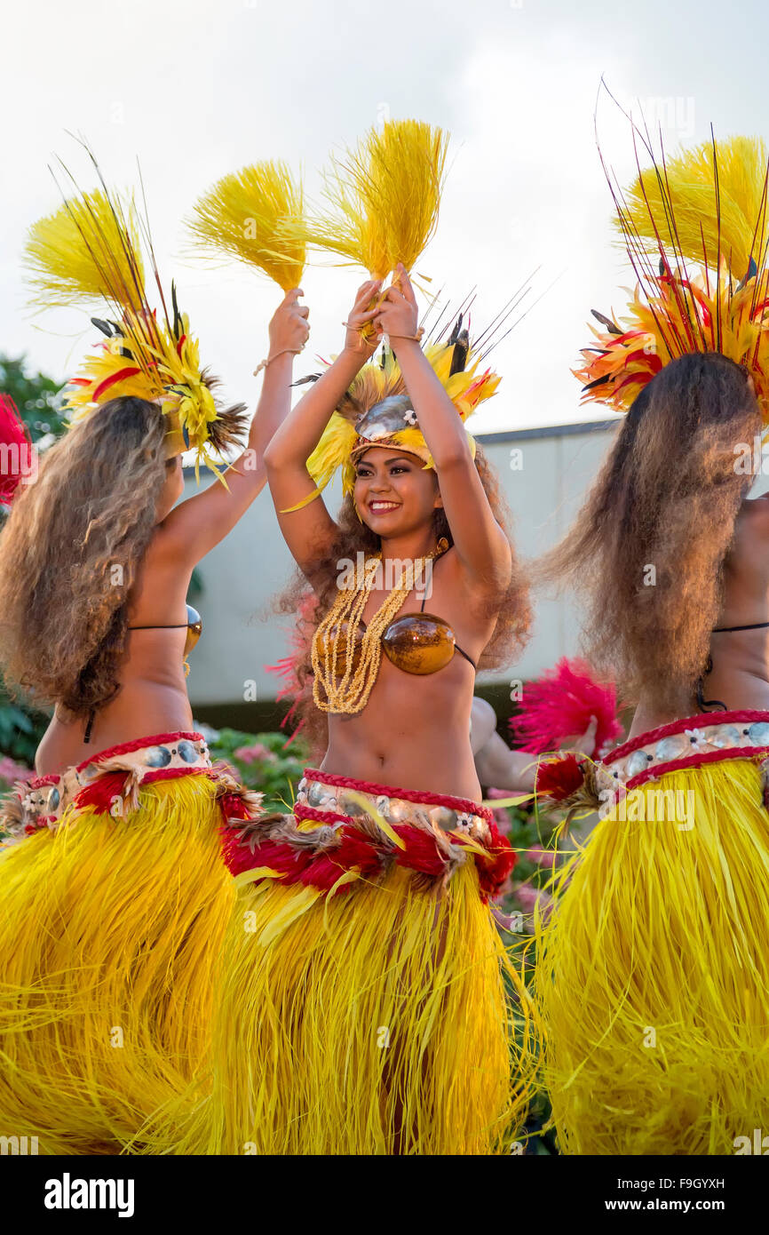 Three female dancers performing the Hula dance, Kauai - Stock Image