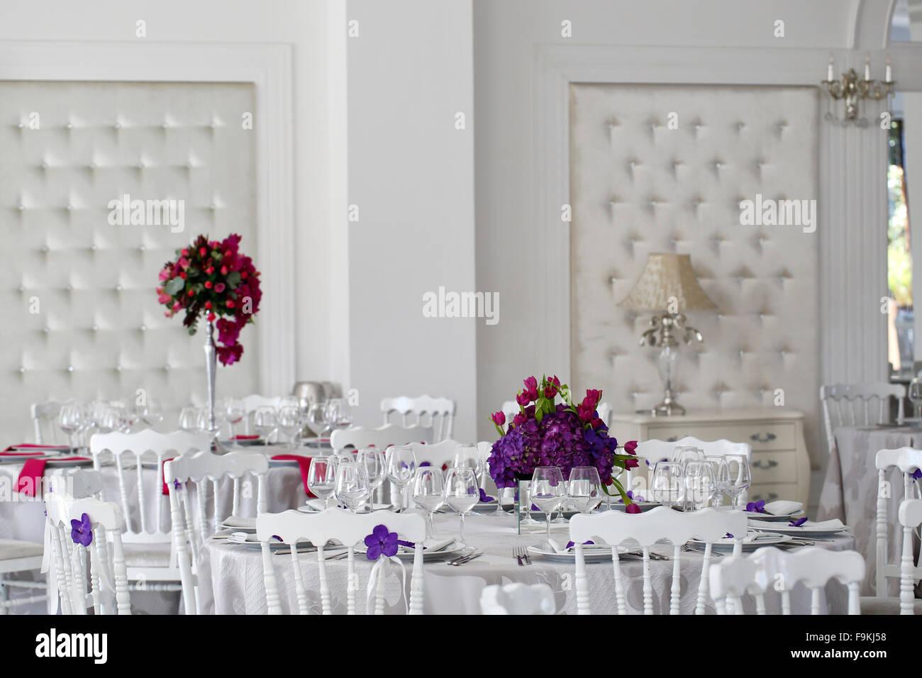 flowers wedding table arrangement stock photos flowers wedding