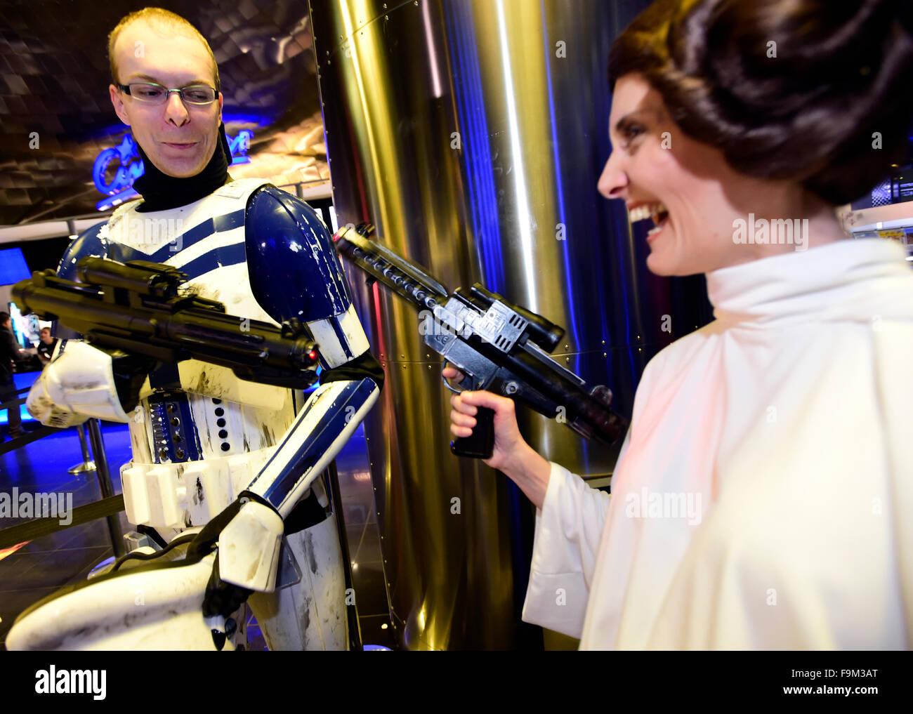 Prague, Czech Republic. 16th Dec, 2015. Fans of sci-fi movie saga Star Wars in costumes arrive at the Czech premiere - Stock Image