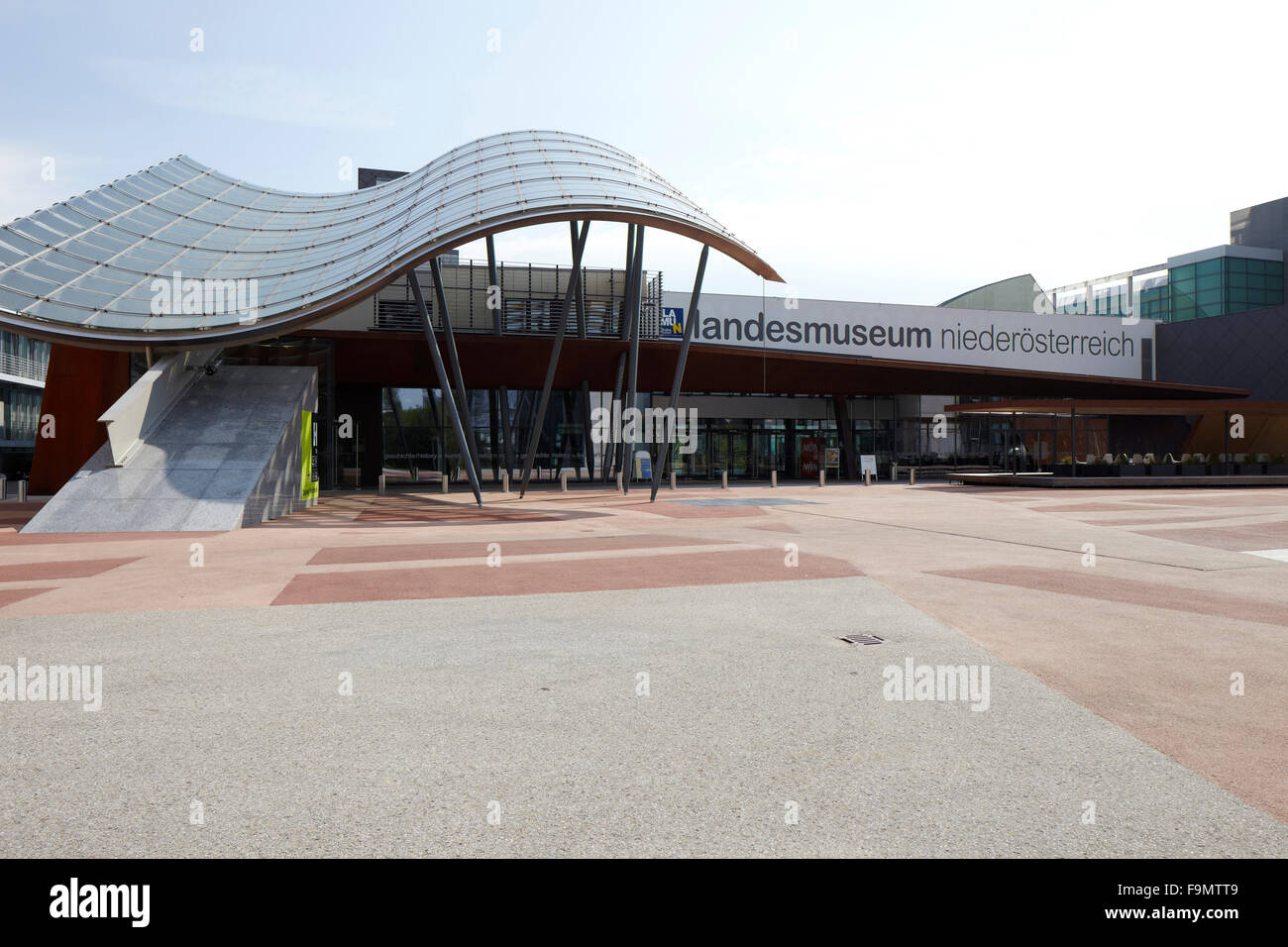 staatsmuseum st poelten lower austria curved canopy outside the stock photo 92042281 alamy. Black Bedroom Furniture Sets. Home Design Ideas