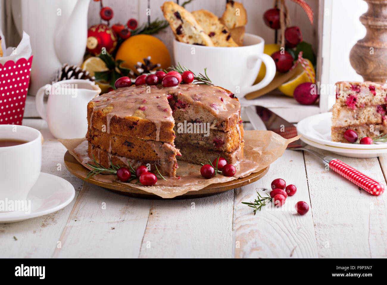 Cranberry Christmas Cake.Orange And Cranberry Christmas Cake With Cinnamon Glaze