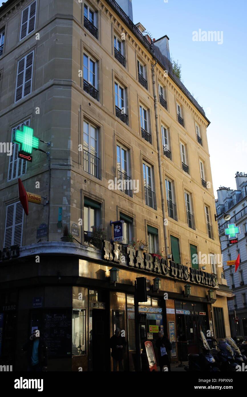 Café-tabac des folles - angle between rue richer and rue de trevise - 9th arrondissement - Paris - France - Stock Image