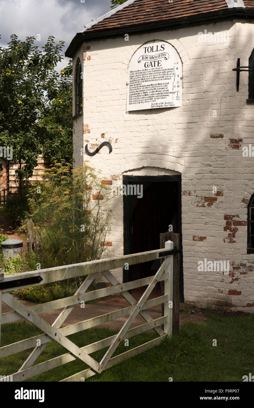 UK, England, Worcestershire, Bromsgrove, Avoncroft Museum, old Little Malvern toll house, gate - Stock Image
