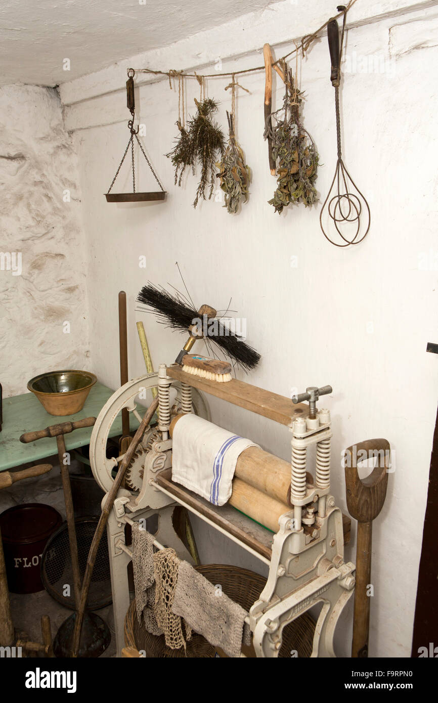 UK, England, Worcestershire, Bromsgrove, Avoncroft Museum, old Little Malvern toll house, scullery mangle - Stock Image