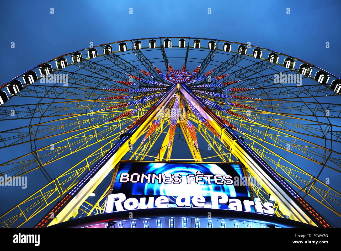 Paris. 18th Dec, 2015. Photo taken on Dec. 18, 2015 shows the ferris wheel at the Place de la Concorde in central Stock Photo
