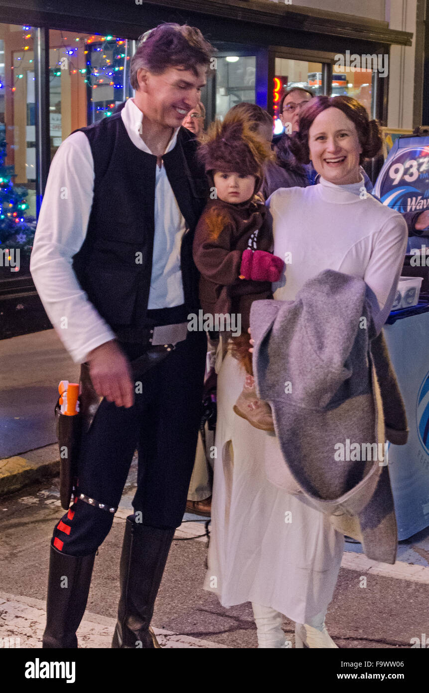 Bar Harbor Maine USA. 18th December 2015. A family dressed as  sc 1 st  Alamy : princess leia han solo costumes  - Germanpascual.Com