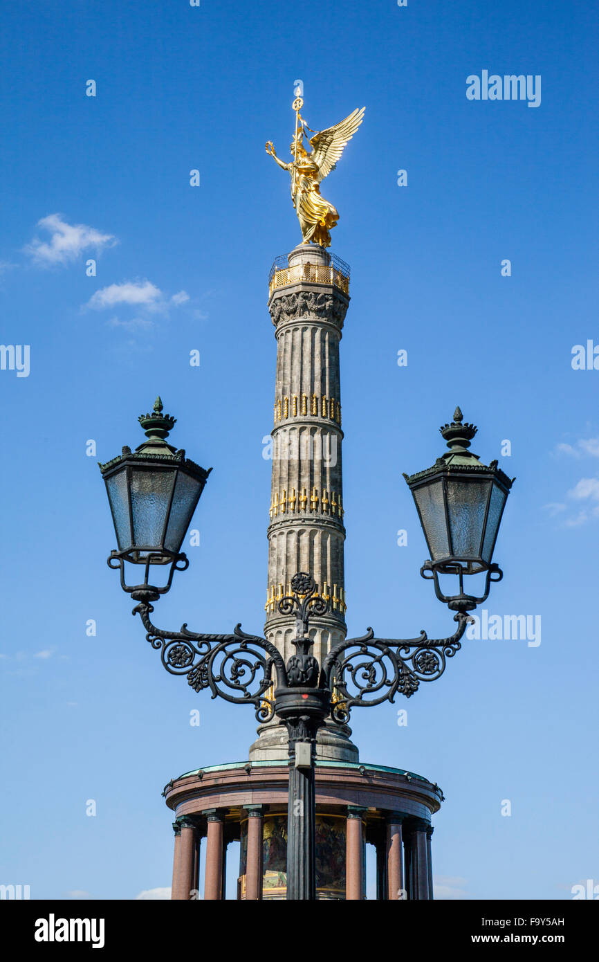 Germany, Berlin, view of the Victory Column, Siegessäule with gilded statue of Victoria on the top - Stock Image