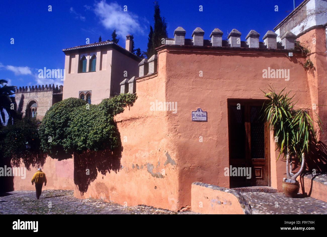 Facade of Carmen de la Media Luna, Cuesta de San Gregorio. Albaicin quarter, Granada, Andalusia, Spain - Stock Image