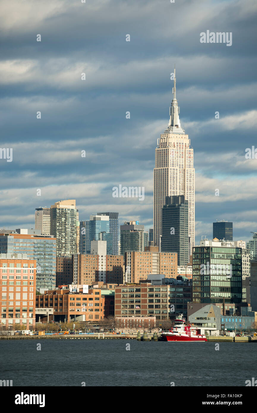 Scenic landscape view of the Midtown Manhattan skyline of New York City from the Hudson River on the New Jersey - Stock Image