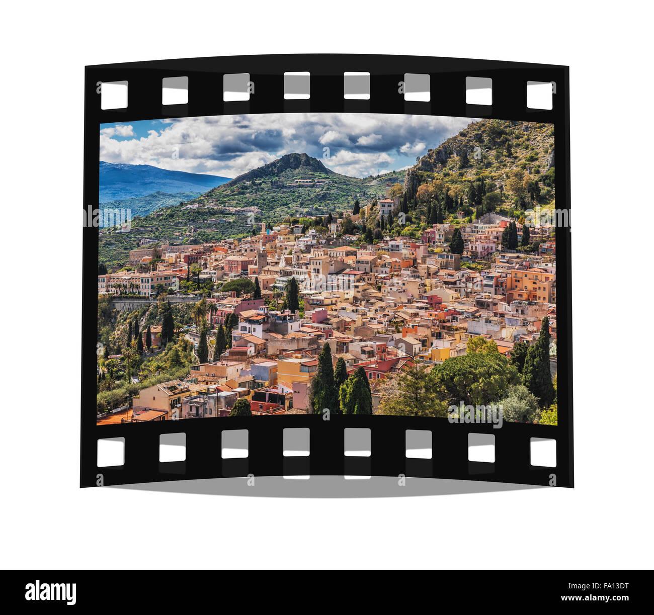 Aussicht auf die Stadt Taormina. Taormina befindet sich an der Ostküste Siziliens am Berg Monte Tauro, - Stock Image