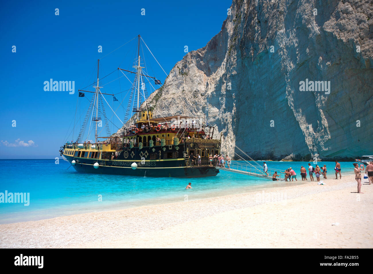 Island Beach Pirate Ship