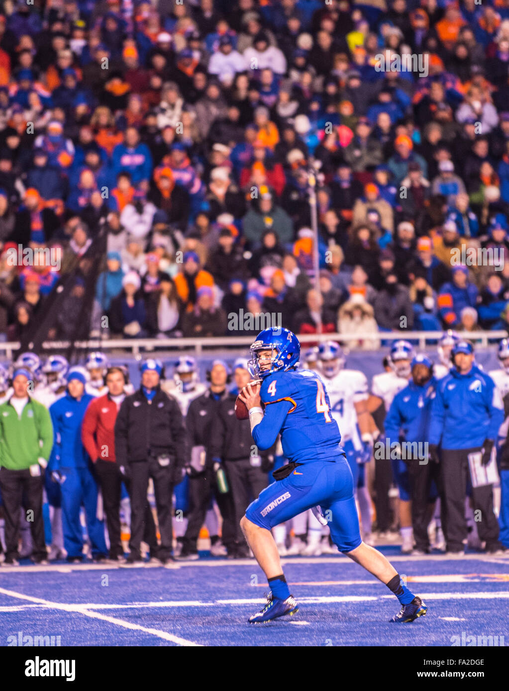 FOOTBALL, Boise State Football Quarterback Brett Rypien passing in game against Air Force in Albertson's stadium, - Stock Image