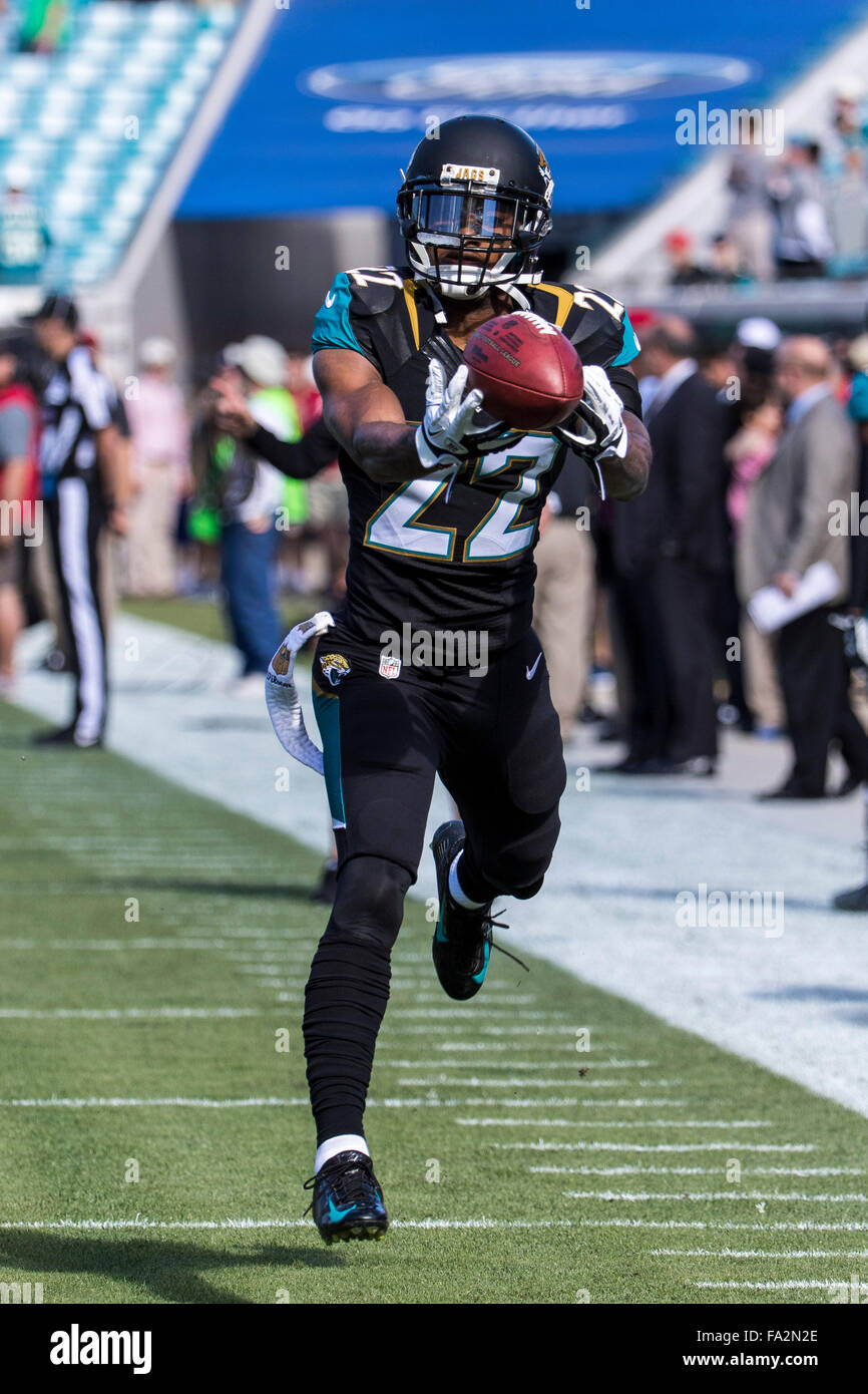 Jacksonville, Florida, USA. 20th Dec, 2015. Jacksonville Jaguars cornerback Aaron Colvin (22) warms-up before the - Stock Image