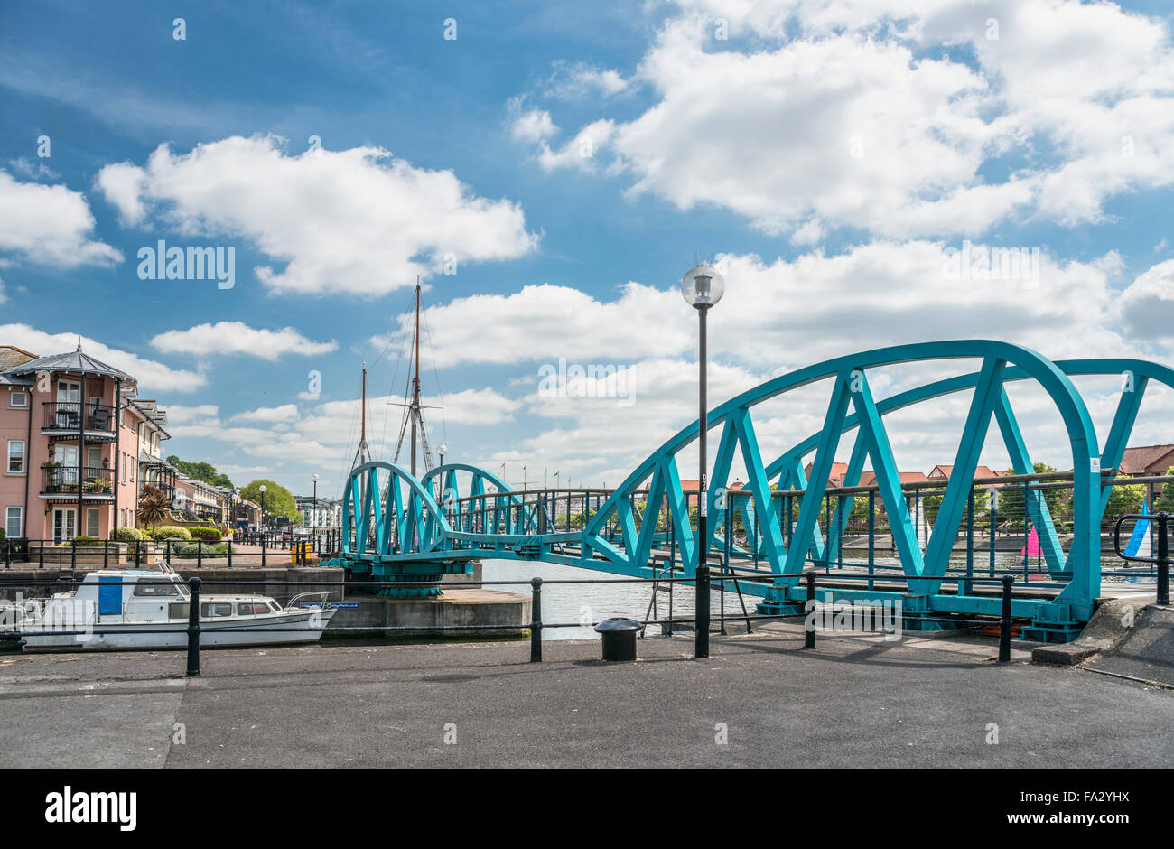 Junction Lock Bridge at the Floating Harbor, Bristol, Somerset, England, UK - Stock Image