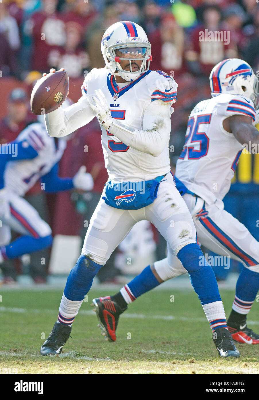 e9b300922 Buffalo Bills quarterback Tyrod Taylor (5) looks for a receiver in first  quarter action against the Washington Redskins at FedEx Field in Landover