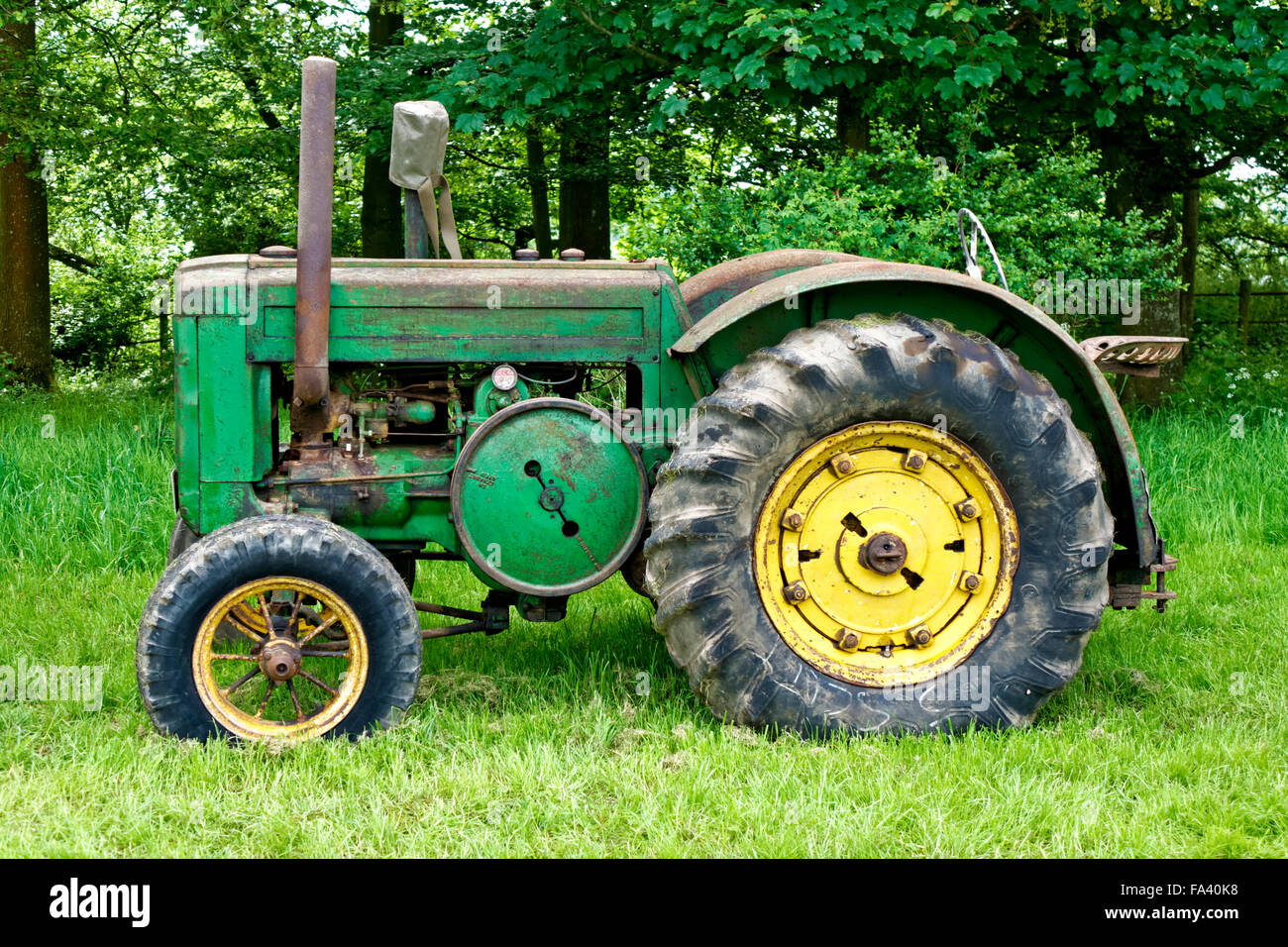 John Deere Tractor Shows : A vintage john deere tractor on public display at the