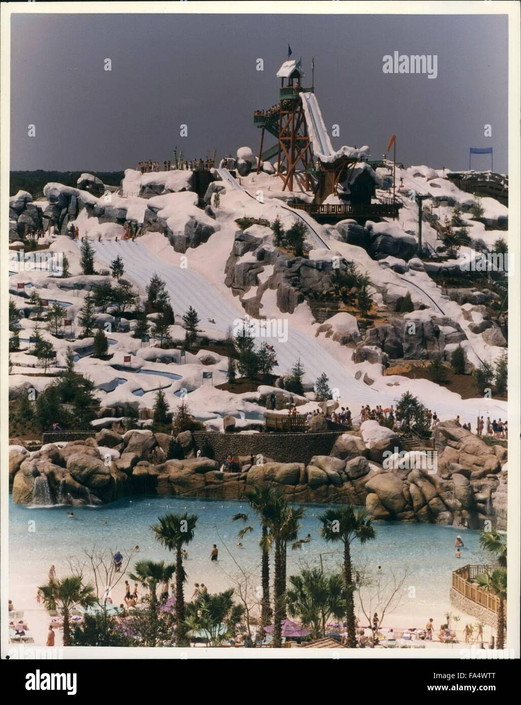 1993 - Fast Flume with snow Slope Theme: In Florida Plunging straight down the side of Mt. Gushmore at Blizzard - Stock Image
