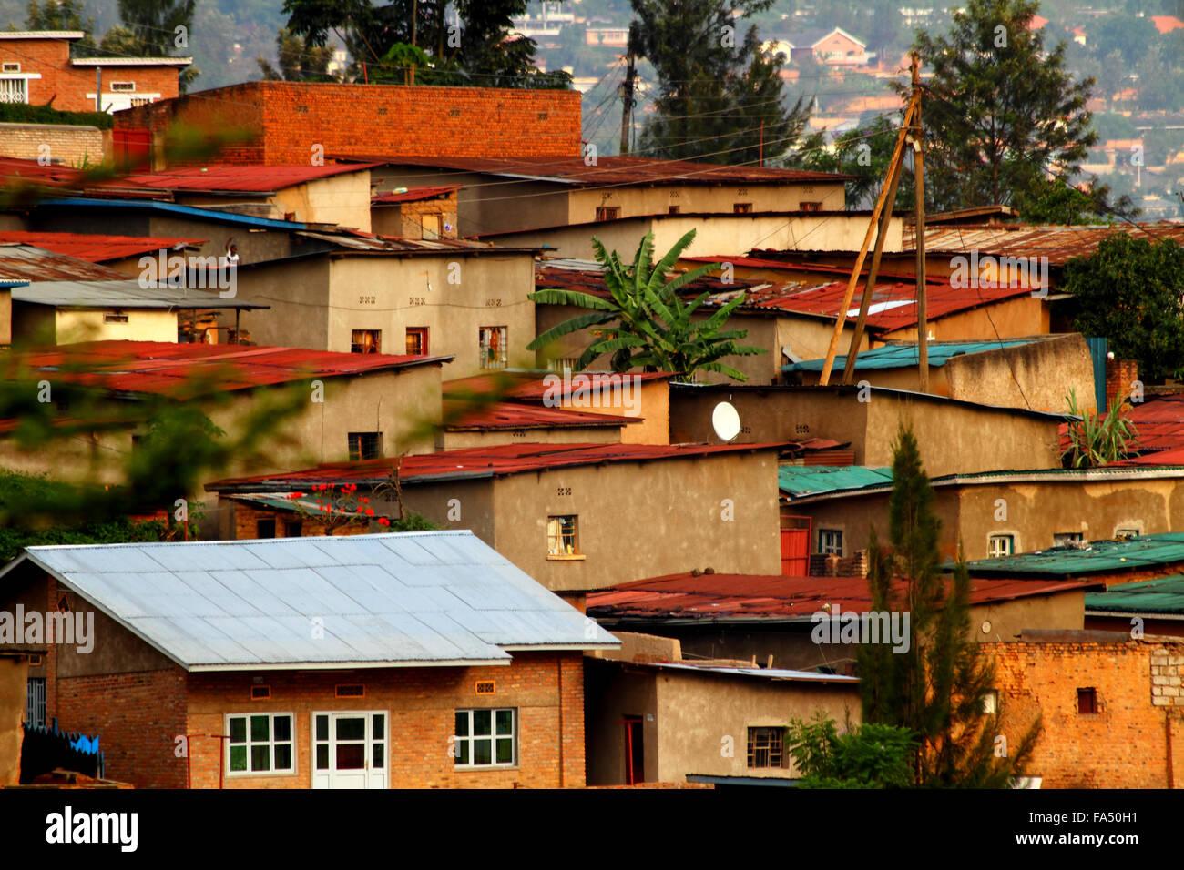 Colorful hillside homes in Kigali, Rwanda - Stock Image