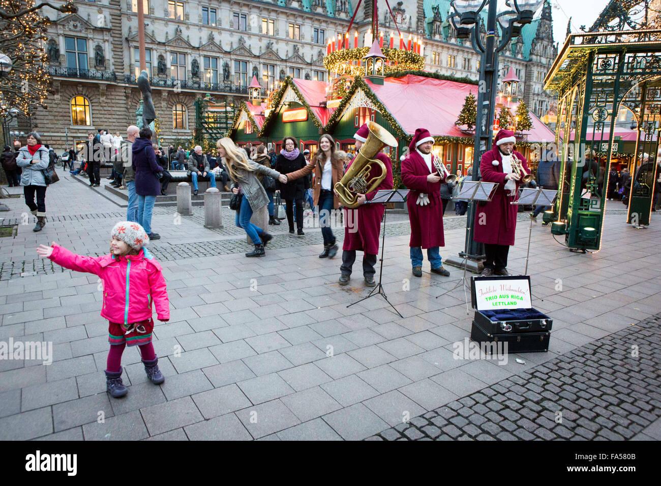 Hamburg Christmas markets at Rathausmarkt - Stock Image