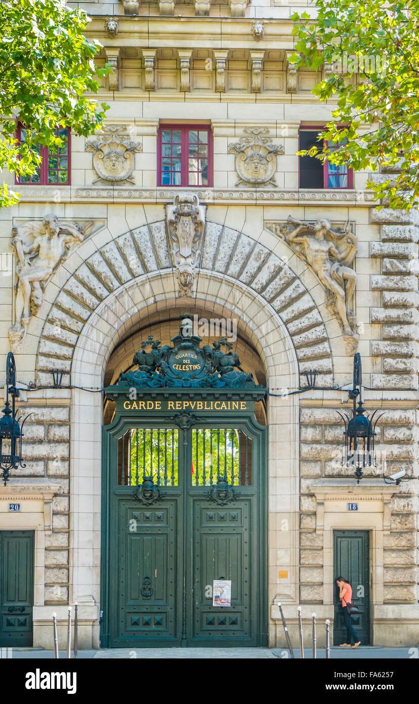 entrance door of quartier des celestins of the garde repulicaine on boulevard henri IV,  paris, ile de france, france - Stock Image