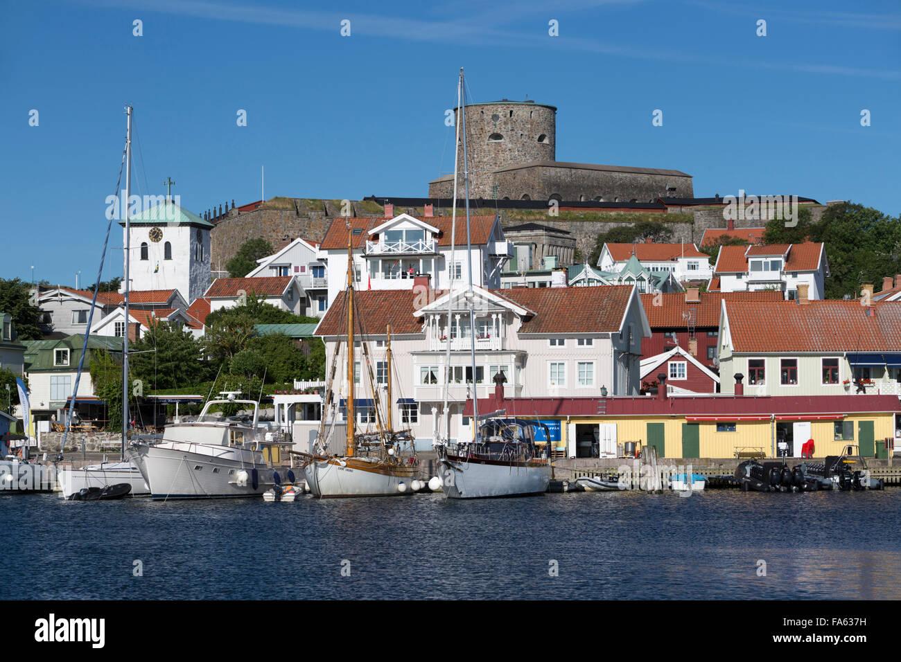Carlstens fortress (Carlstens fastning) and harbour, Marstrand, Bohuslan Coast, southwest Sweden, Sweden, Europe - Stock Image