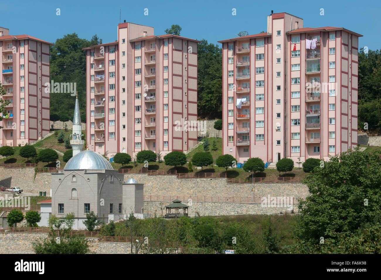 Schon Türkei, Westliche Schwarzmeeküste, Provinz Ordu, Moderne Wohnhäuser In  Gölköy   Stock Image