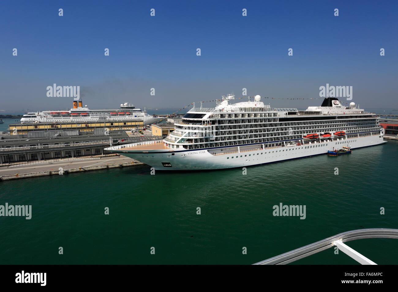 Viking Cruise Ships Stock Photos Amp Viking Cruise Ships