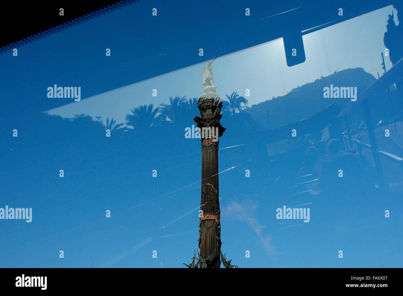Barcelona Cristobal Colon monument reflexion - Stock Image