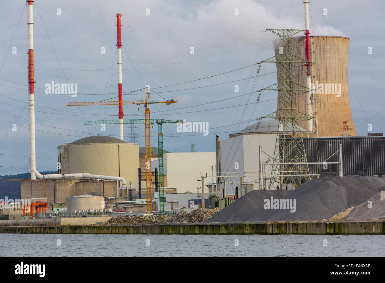 The Belgian nuclear power plant Tihange, 3 pressurized water reactor, in Huy, Belgium, at river Maas, run by Electrabel - Stock Image