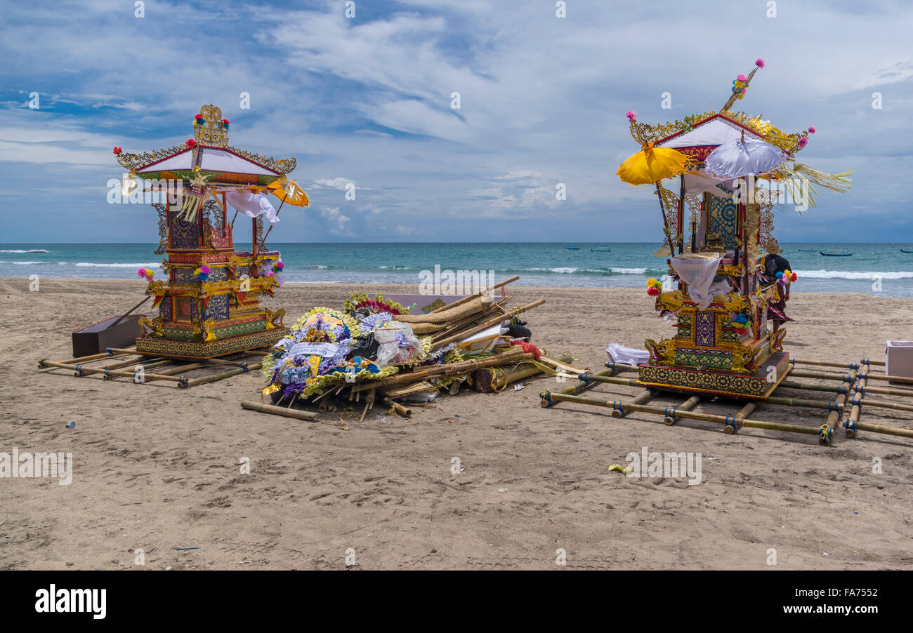 Rafts prepared on the beach for a traditional Hindu funeral on Bali, Indonesia. - Stock Image