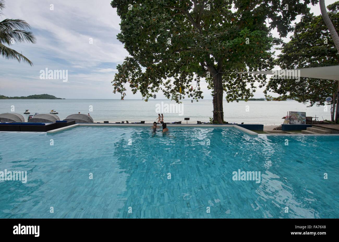 Enjoying the pool and the beach on Koh Samui island, Thailand - Stock Image