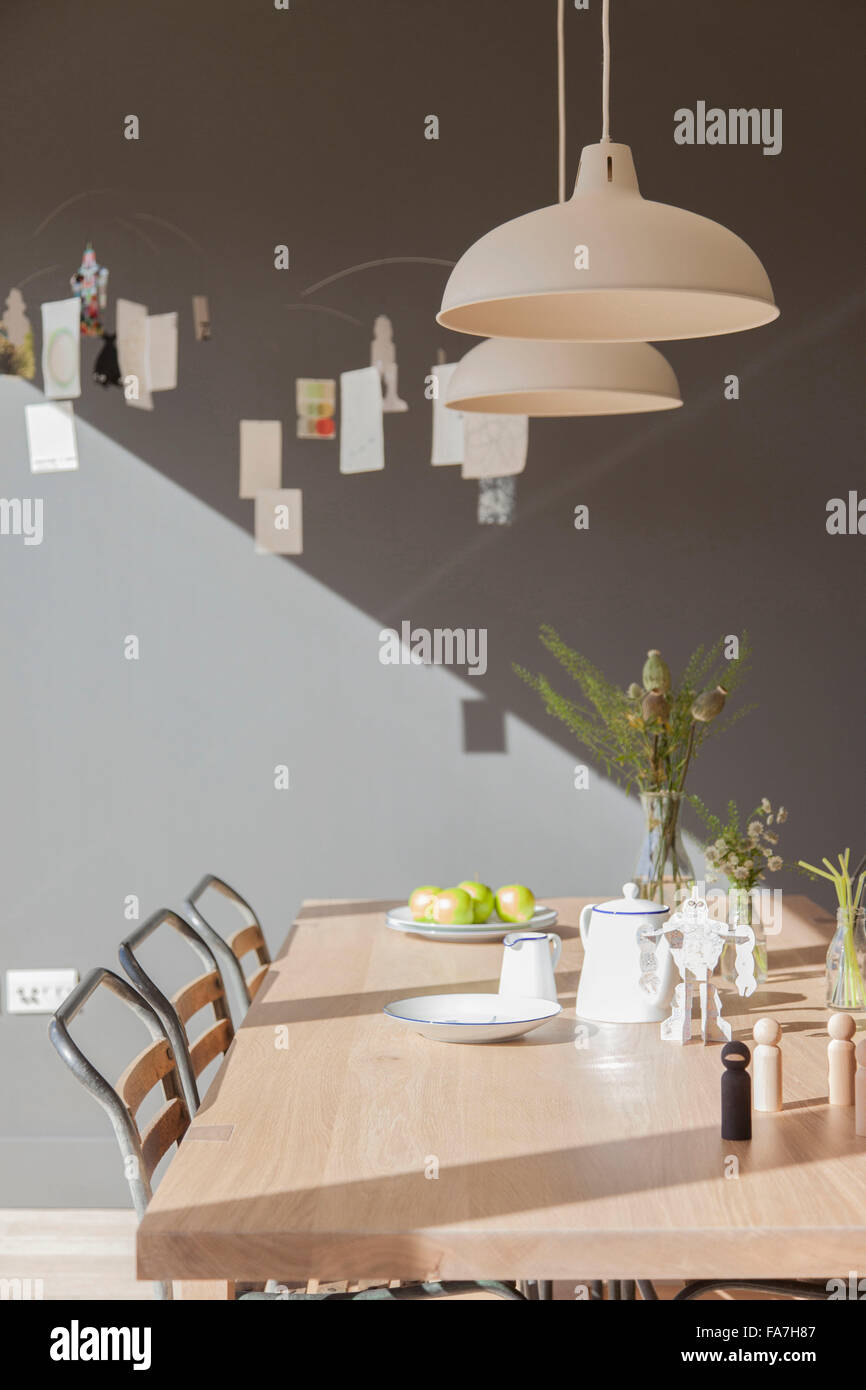 Used pendant lighting Pendant Lamp Kitchen And Dining Area Table And Chairs With Pendant Lighting In Residential House Cambridge House Combining Modern Minimalist Style With Display Of Prg Rha Kitchen And Dining Area Table And Chairs With Pendant Lighting In