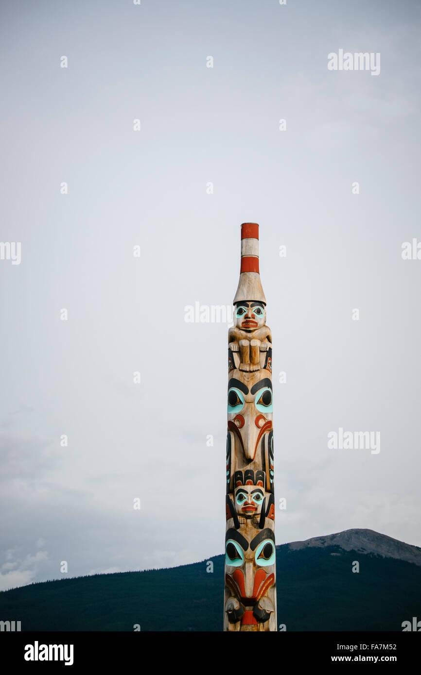Totem in the town Jasper, Jasper Nationalpark, Alberta, Canada - Stock Image