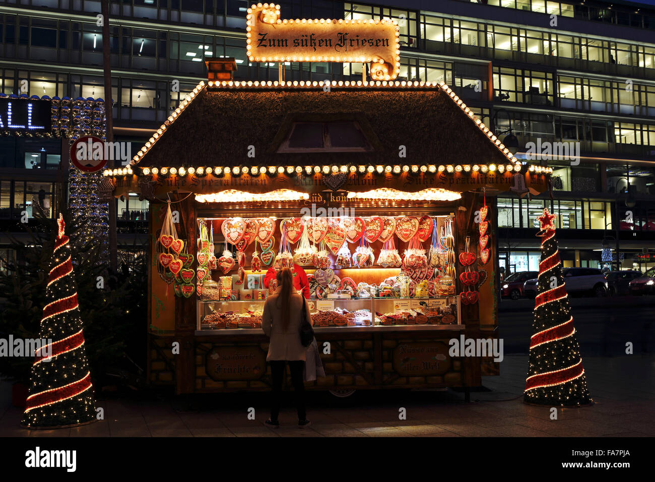 Gingerbread hearts on sale at the City Weihnachtsmarkt am Gedachtniskirche Christmas market on Ku'damm in Berlin, - Stock Image