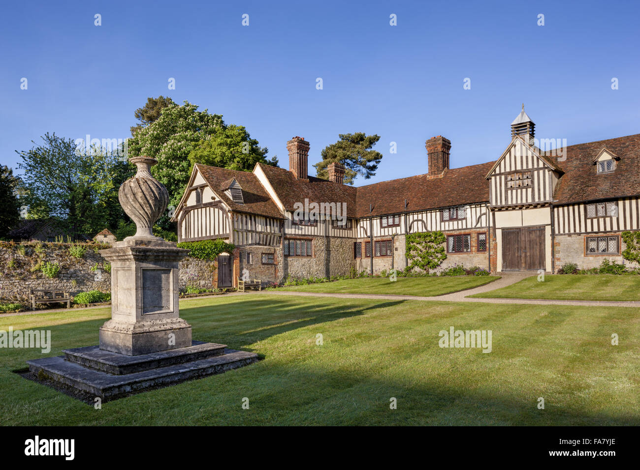 The cottages at Ightham Mote, Kent Stock Photo