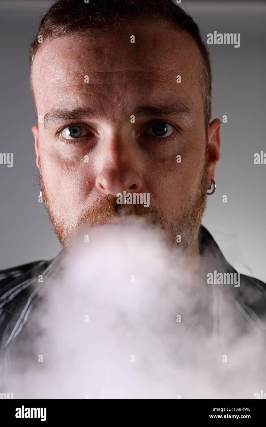 Blowing Vapor Stock Photos & Blowing Vapor Stock Images - Alamy